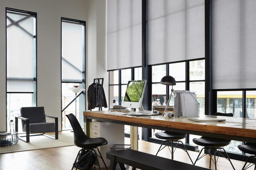 Cortina moderna para estúdios criativos.